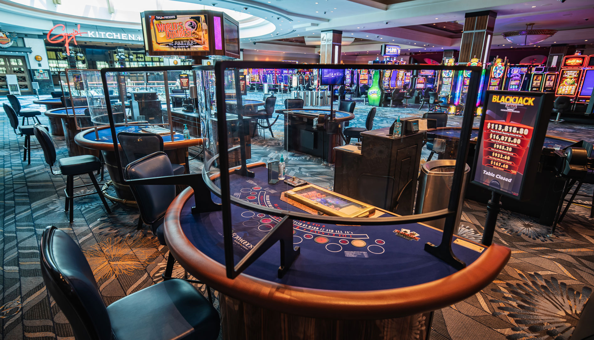 Foxwood casino poker room hotels at casino in tunica mississippi